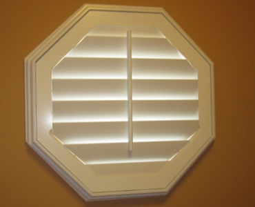 Atlanta octagon window shutter